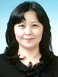 礒見 恵美子 (イソミ エミコ)